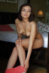 Chiama ragazze Berlin Haus Hotel ordine Isabell jung offerte sexy che si spogliano con i tacchi alti