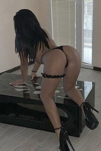 Incontro sessuale a Berlino con la prostituta escort Dilara, tette sode, super servizio