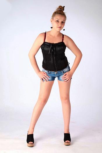 La modella adolescente russa di alta classe Natasha Zierlich Berlin