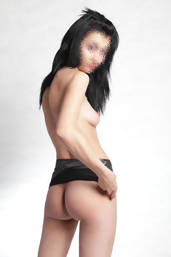 Esperienza sessuale a Berlino con Sissi romance erotica passione escort sex call girl dalla Bulgaria
